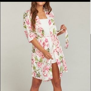 🆕️ Show Me Your Mu Mu, Floral Brie Robe, OS